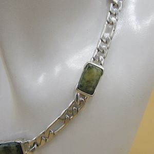 Liz Claiborne Green Variegated Stone Necklace